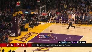 Oups! Steph Curry et le plancher glissant!