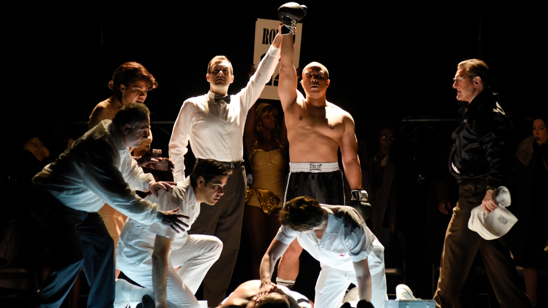 Aubrey Allicock (jeune Emile Griffith) dans le spectacle « Champion »