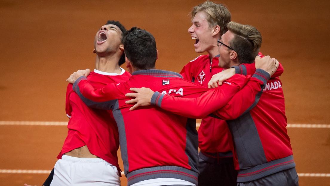 Félix Auger-Aliassime donne la victoire au Canada — Coupe Davis