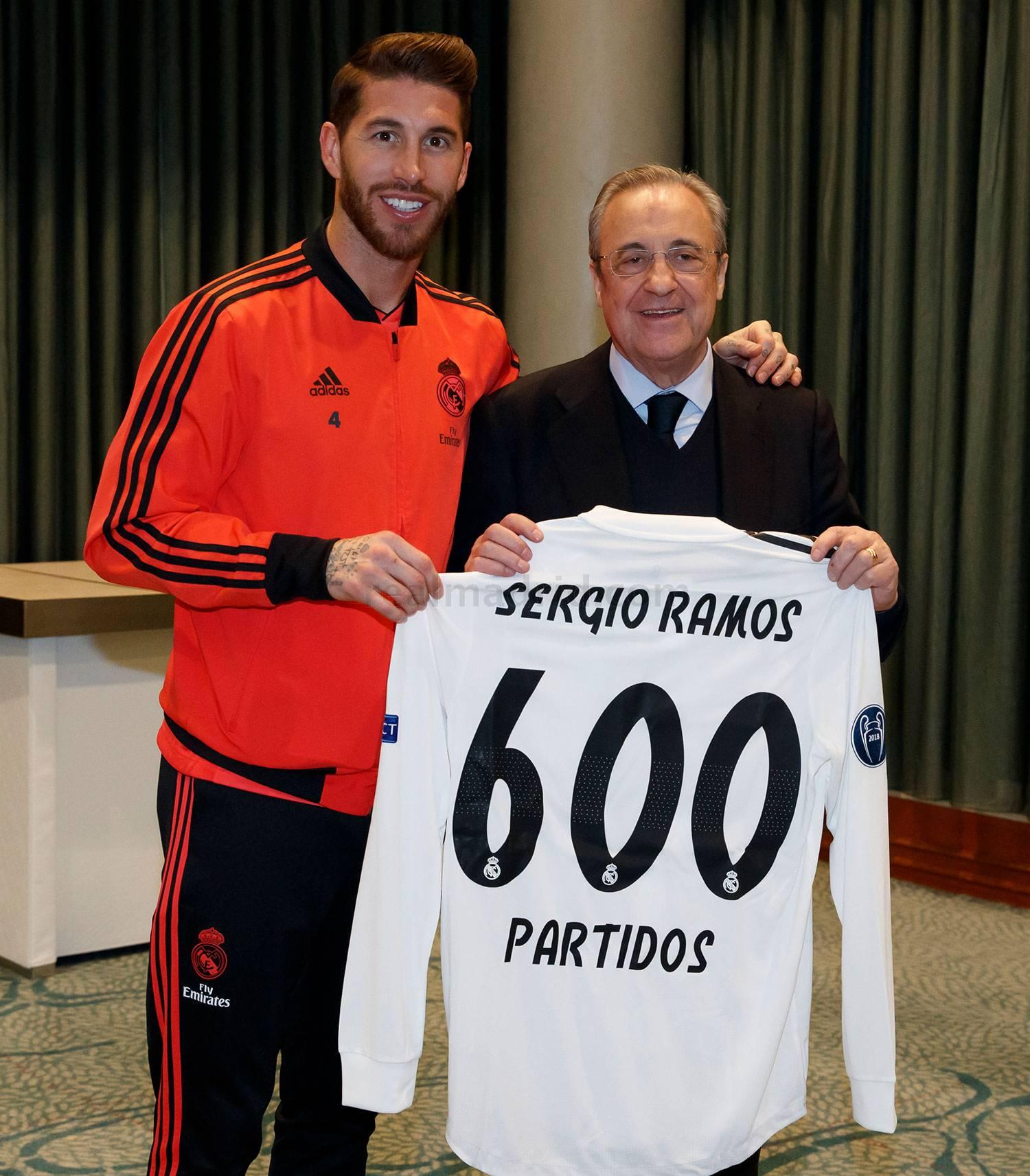 Sergio Ramos et le président du Real Madrid Florentino Peréz