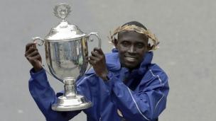 Marathon de Boston : Cherono s'impose dans le dernier droit