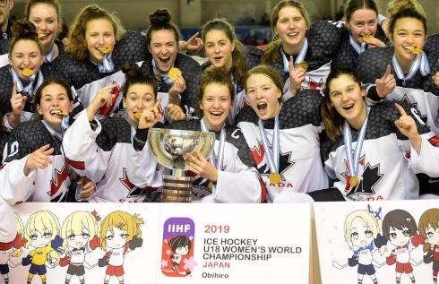 Alexie Guay et l'équipe canadienne.