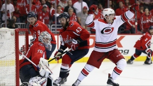Hurricanes 4 - Capitals 3 (2e prolongation)
