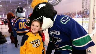 Fin the Whale, mascotte des Canucks de Vancouver