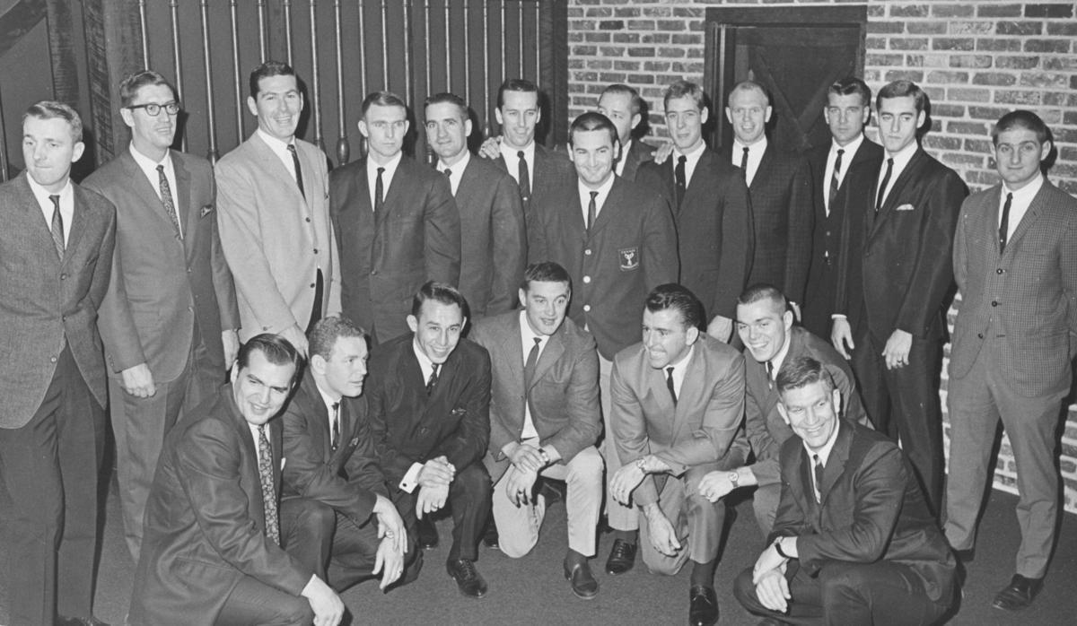 Blues de Saint-Louis 1967-68; Raymond Fortin (rangée du haut, 7e de la gauche)