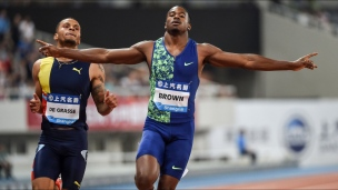 Aaron Brown devance Andre De Grasse