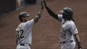 Pirates 7 - Padres 2