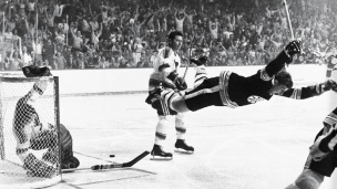 L'incroyable but de Bobby Orr contre les Blues en 1970