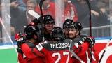 Les joueurs du Canada célèbrent un de leurs buts.