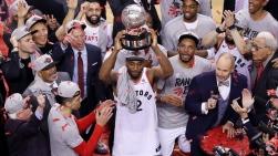 Les Raptors célèbrent leur toute première victoire du championnat de la Conférence de l'Est