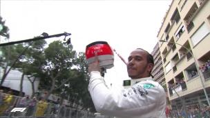 Hamilton remporte le GP de Monaco à la mémore de Lauda