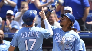Yankees 7 - Royals 8 (10 manches)
