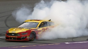 Logano s'impose au Michigan
