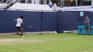 Auger-Aliassime à l'entraînement en vue de Wimbledon
