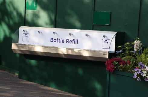 Une station de remplissage à Wimbledon