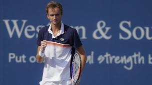 Medvedev concrétise enfin en finale