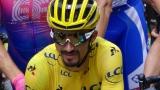 Julian Alaphilippe avec le maillot jaune du Tour de France