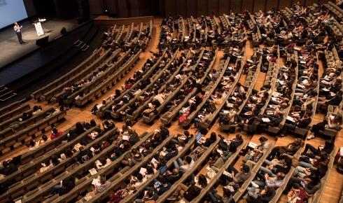 Une conférence