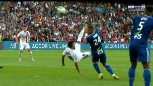 But spectacluaire de Neymar après les huées