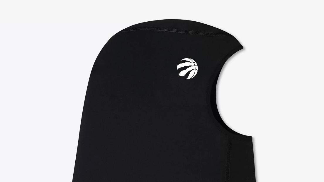 Hijab avec le logo des Raptors