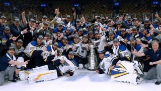 Célébrations des Blues avec la Coupe Stanley