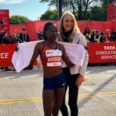 Brigid Kosgei et Paula Radcliffe