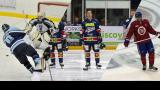 Kevin Dufour dans l'uniforme des Lions de St. Lawrence, des Stars de Dundee et du Canadiens de Montréal