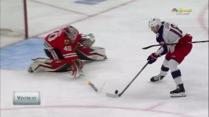 Dubois surprend la défense des Blackhawks