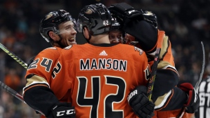 Hurricanes 2 - Ducks 4