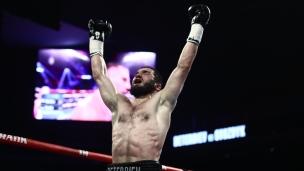 Beterbiev devient champion unifié