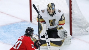 Golden Knights 2 - Blackhawks 1 (tirs de barrage)