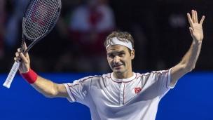 Federer avance facilement à Bâle