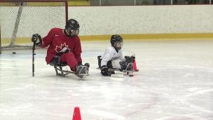 Parahockey : Équipe Canada côtoie la relève