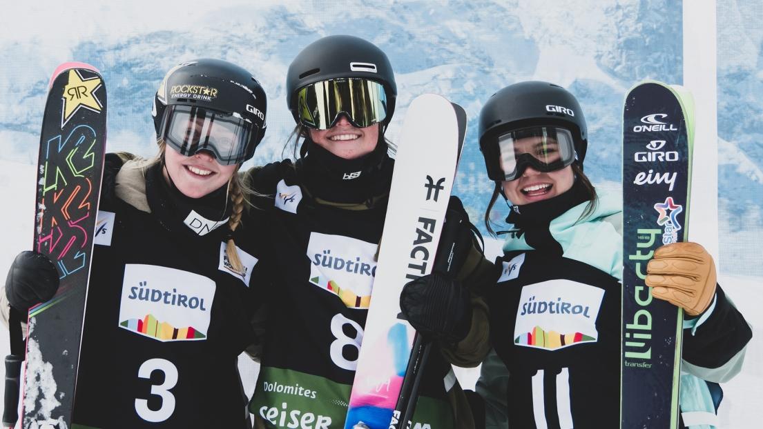 De gauche à droite, Johanne Killi, Caroline Claire et Elena Gaskell