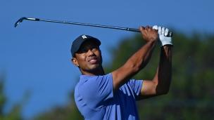 PGA : Woods à 3 coups de la tête