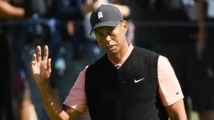 Kuchar en tête, Woods à cinq coups