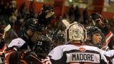 Les joueurs des Cantonniers ont célébré la conquête du championnat de la saison régulière de la LHMA