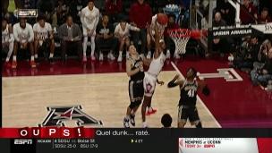 Oups! Un dunk... raté.