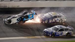 Daytona 500 : Hamlin gagne, accident important pour Newman