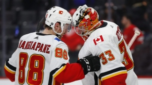 Flames 4 - Red Wings 2