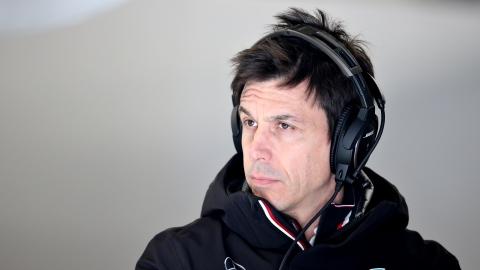 Après un autre accident en course, Wolff plaide pour des changements