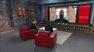 Max et Bruno discutent avec David Savard