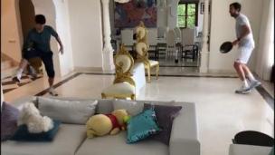 Djoko aussi dominant dans son salon