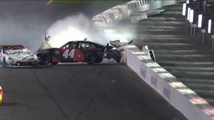 Spectaculaire collision à Charlotte!