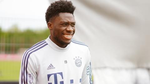 Alphonso Davies reprend l'entraînement avec le Bayern