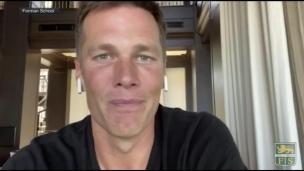 Brady livre un message d'espoir aux jeunes en difficultés