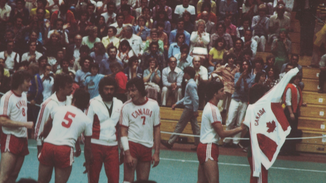 L'équipe canadienne de handball en 1976 contre la Yougoslavie