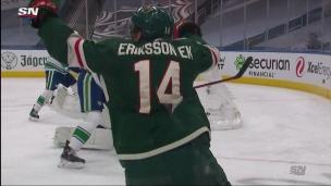 Eriksson Ek profite d'une rondelle libre