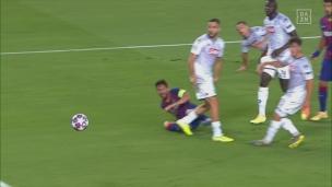Même à genoux, Messi est trop fort