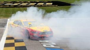 Logano en finale de la série NASCAR